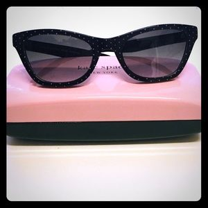 Like new Kate Spade polka dot sunglasses!!!